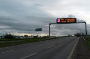 Painéis de mensagens Variadas Imply garantem mais segurança para motoristas