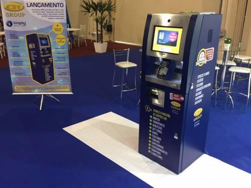 Imply® inova com impressora colorida de cartões em Terminal de Autoatendimento na Cards Payment & Identification