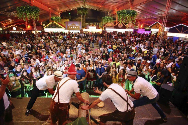 Imply vence licitação da Oktoberfest Blumenau