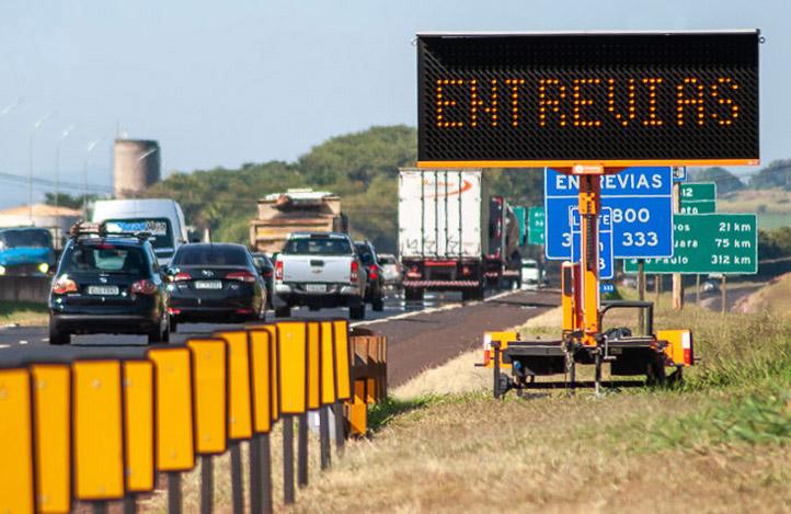 Entrevias garantiza la seguridad vial con Paneles de Mensajería Variable Móvil Imply®